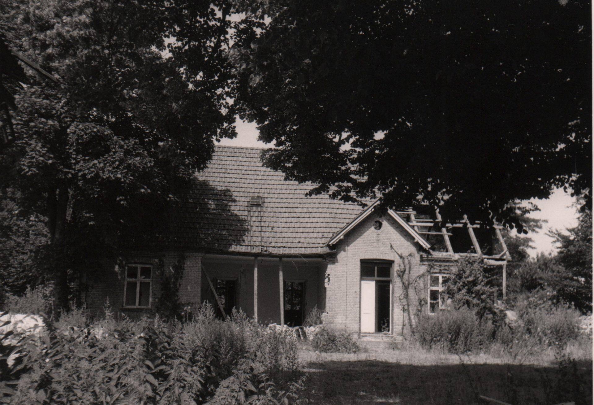 Præstegården blev nedrevet af Gørlev Kommune i 1983